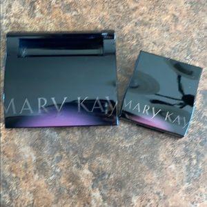 Mary Kay compact set